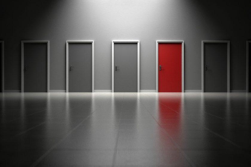 Jak wybrać drzwi wewnątrzklatkowe?